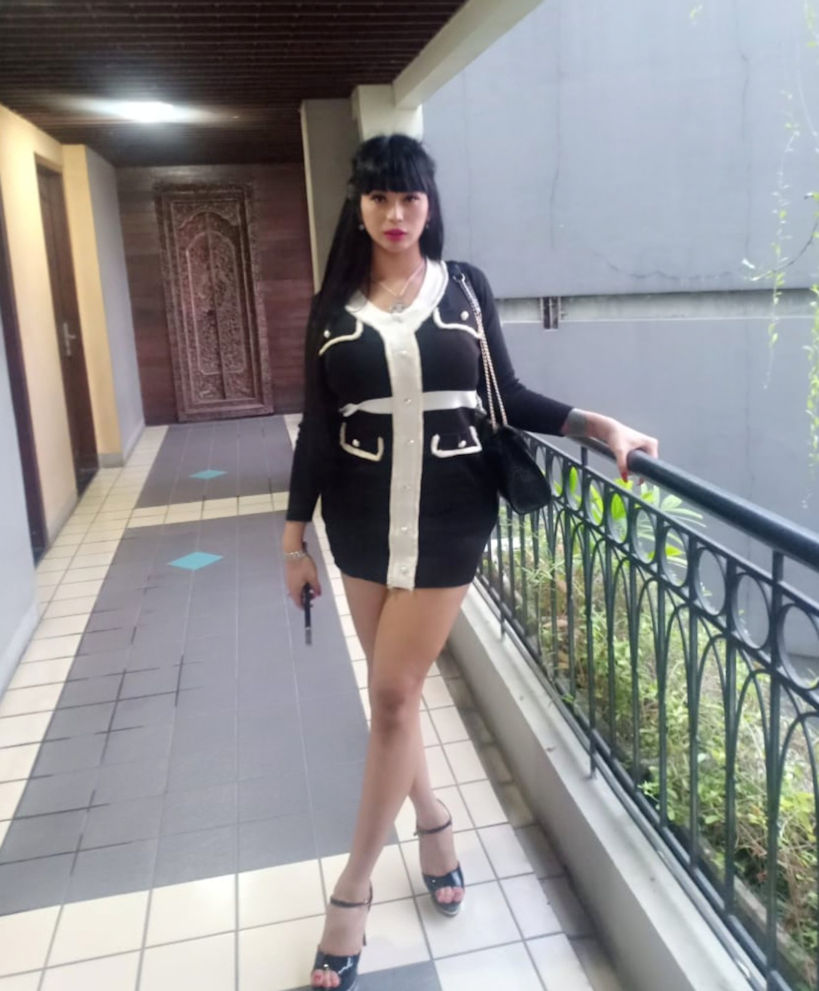 Beautiful Jakarta Waria Escort Anye