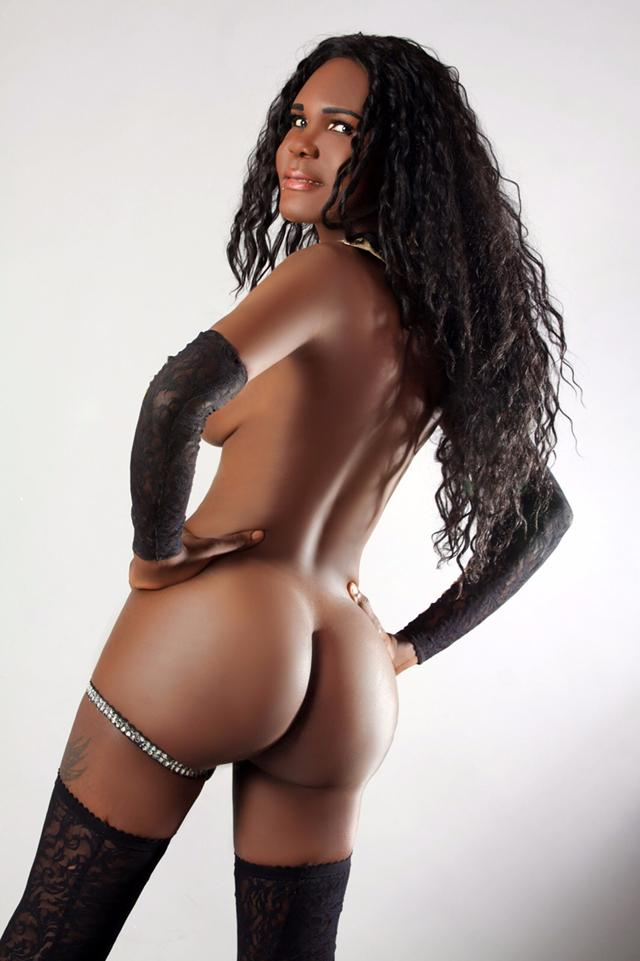 Black London Escort TS Zoila XXL
