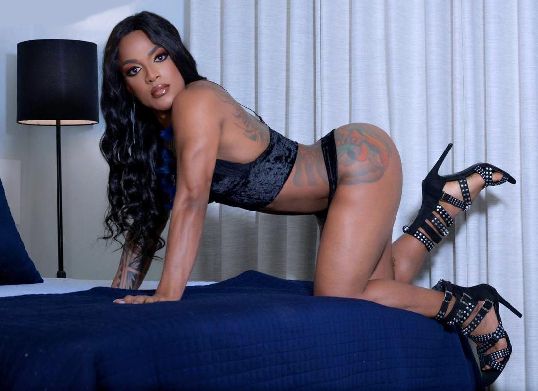 Trans Escort Amanda Black XXL
