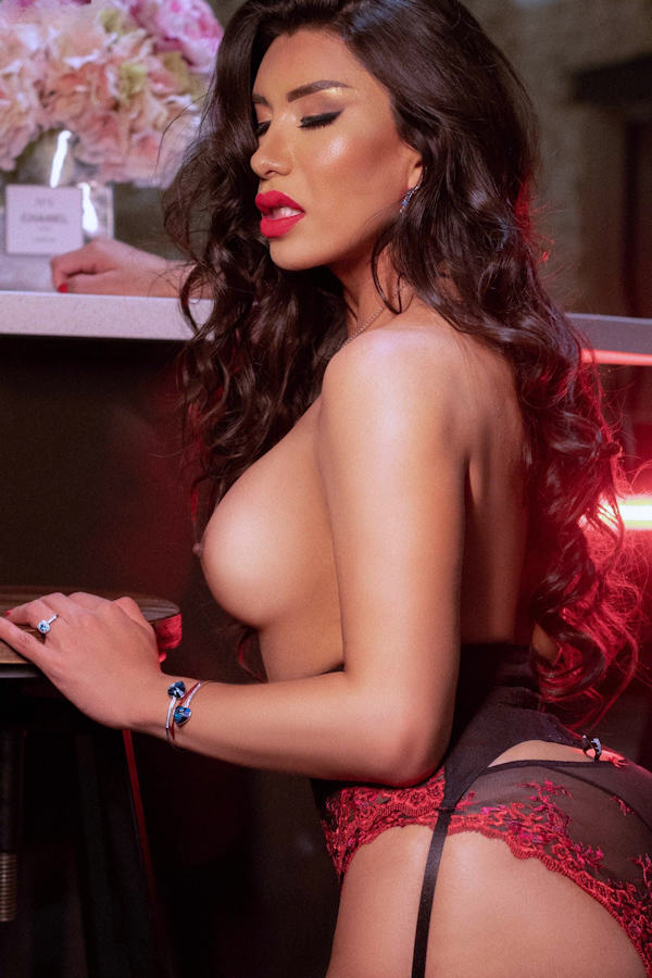 Latina Shemale Escort Lucia