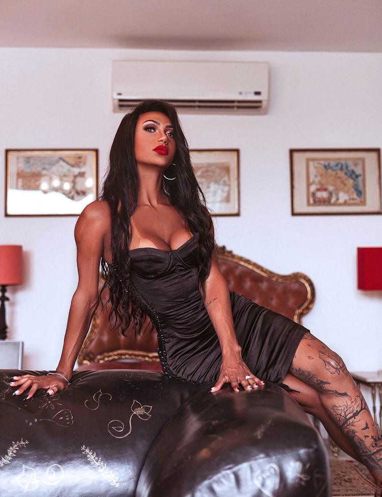 Transsexual London Escort Bella Castler