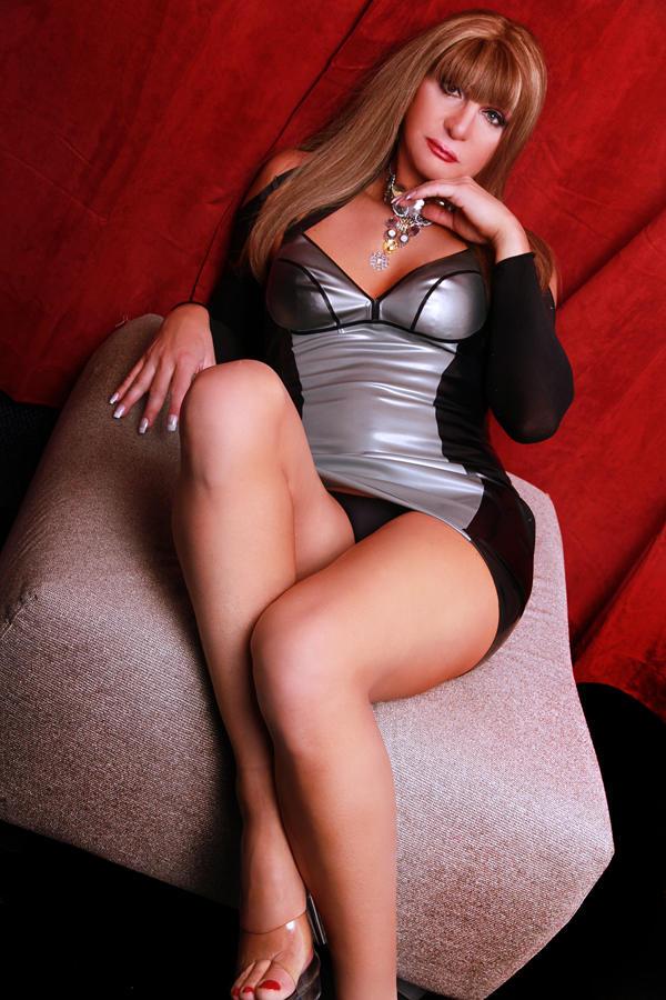 Suzana Transsexual London Escort