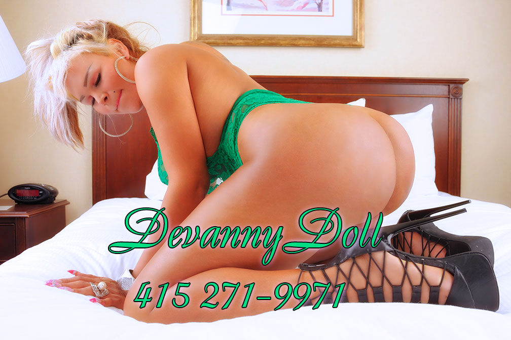 TS Devanney Doll Blonde Shemale