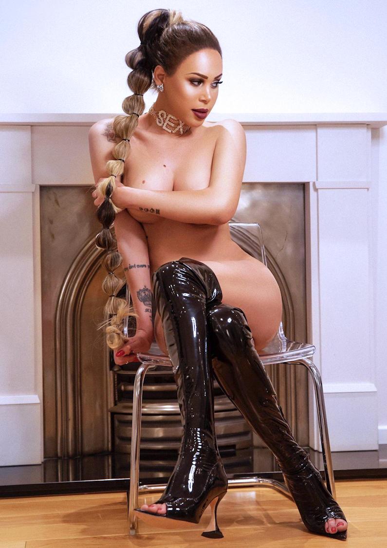 TS Valentina XXL Big Cock Escort