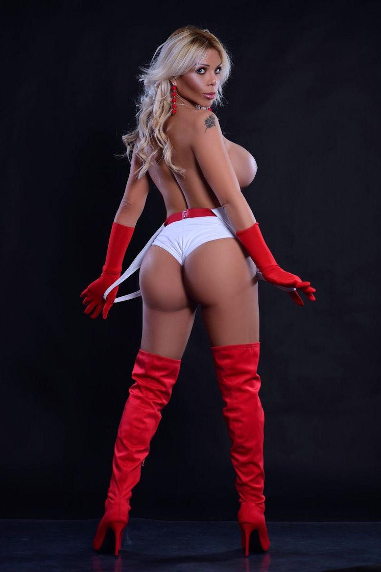 Busty Blonde TS Escort Margot