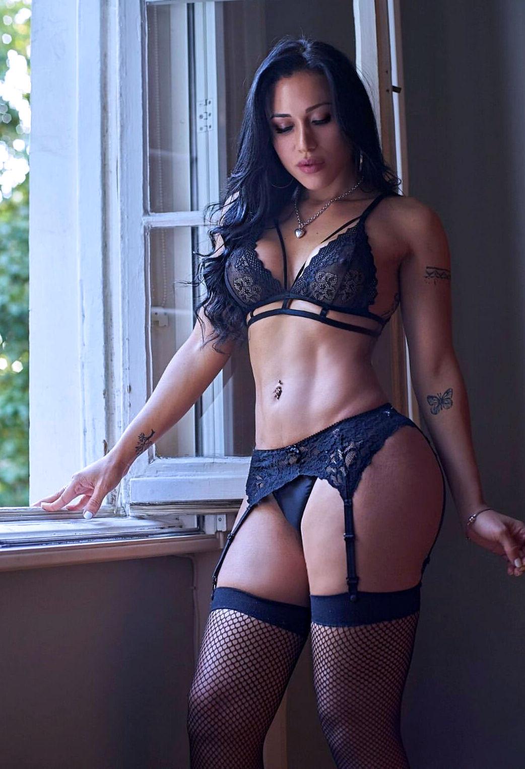 London Shemale Escort TS Luna Rodriguez