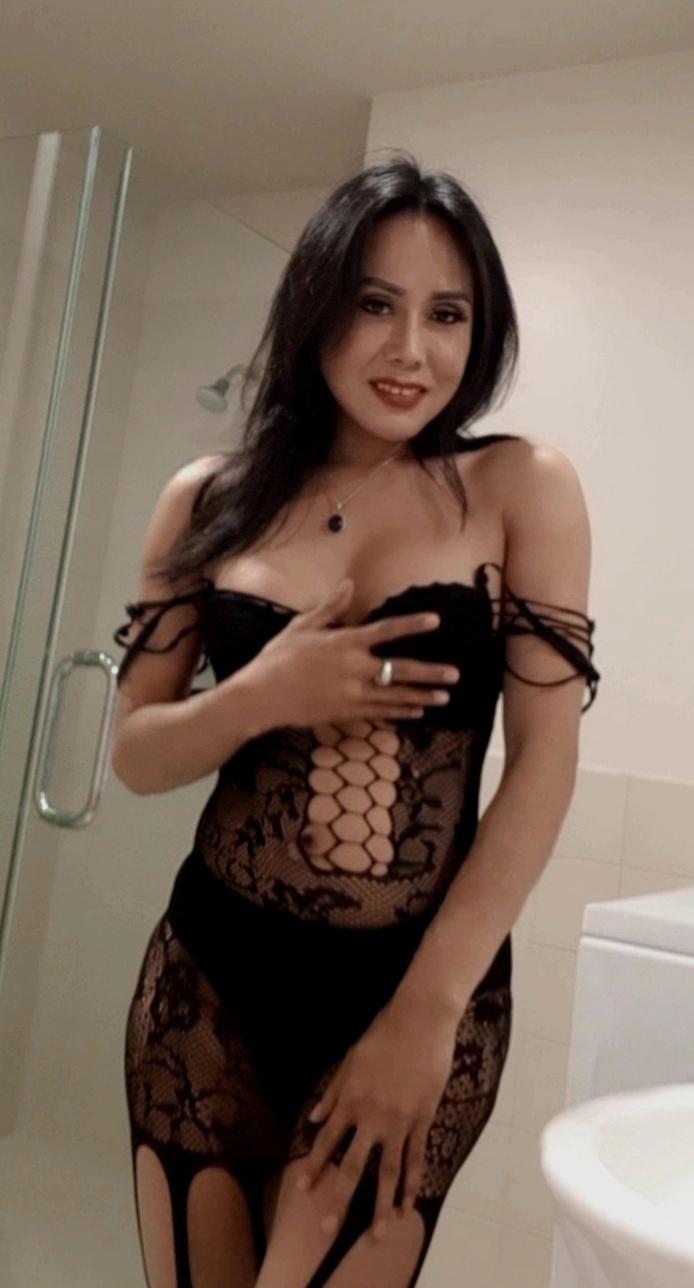 TS Siti Top Shemale Escort Jakarta