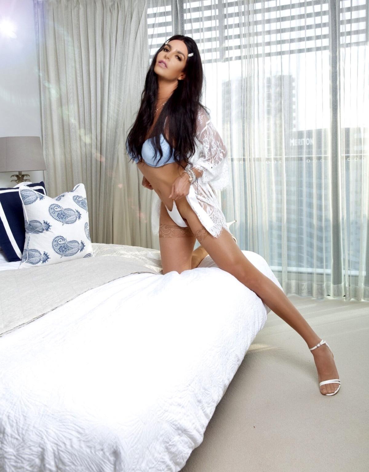 TS Angel Belford XXL Super Sexy T-Girl